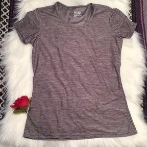 32 DEGREES- work out shirt size medium